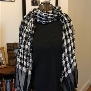 Accessories - Scarf black, grey and white checkered with tassels